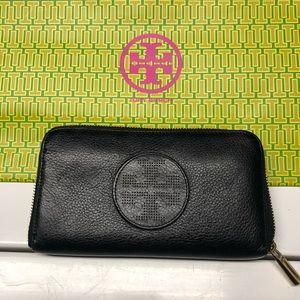 Tory Burch Black zippered Wallet